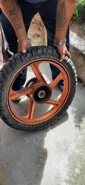 Aro de moto 18 de aspas