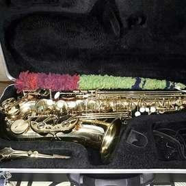 Saxofón alto Prelude París Como nuevo