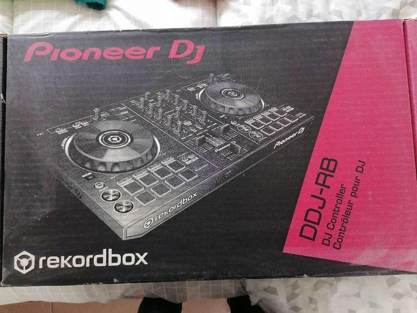Excelente Controladora Pioneer Dj