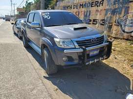 Toyota hilux 3.0 full extras std aire power 4x4