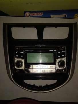 Vendo autoradio con consola para Hyundai accent del 2012 hacia adelante
