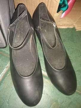 Zapatos para danza, folclore
