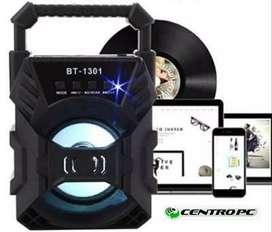 Parlantes Bluetooth micrófono con radio varios modelos
