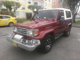 Toyota Land Cruiser 4x4 Mt4500cc Rojo Verona