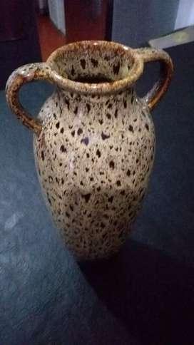 Hermozo jarron de ceramica