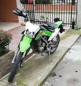 Vendo moto usada klx 150
