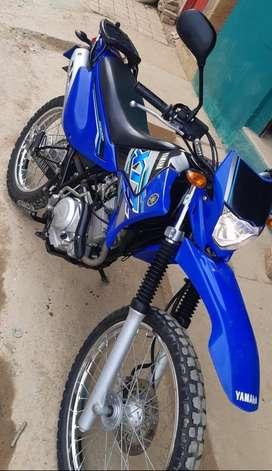 Vendo moto excelente estado