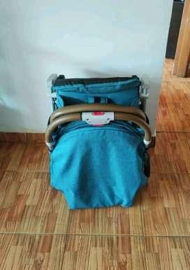 Coche estilo maleta marca bebesit