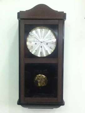Reloj aleman antiguo de pared