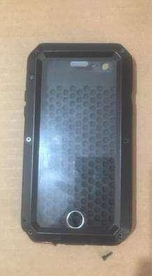 Vendo o cambio Carcasa para iphone 6s. A prueba de golpes. Ofrezcan