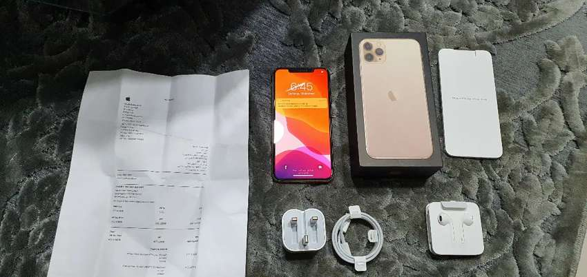 iPhone 11 Pro Max 64 GB Dorado 0