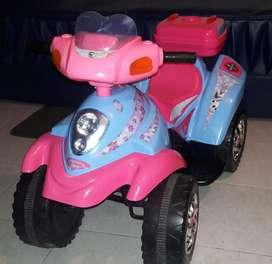 Moto eléctrica niña 4 a 8 años
