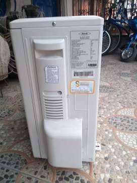 Vendo condensadora de aire acondicionado de 12.000BTU nueva.