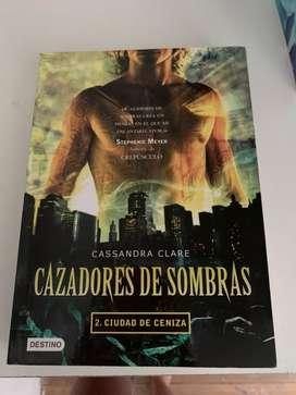 Cazadores de sombras 2: Ciudad de cenia