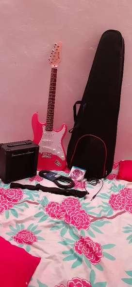 A la venta combo guitarra eléctrica y amplificador