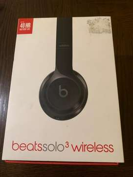 Beats solo 3 wireless en caja