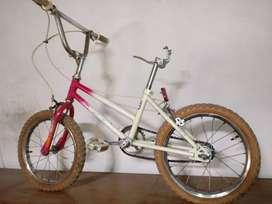 Bicicleta niño BMX rod 16 usada