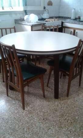 Vendo mesa con sillas