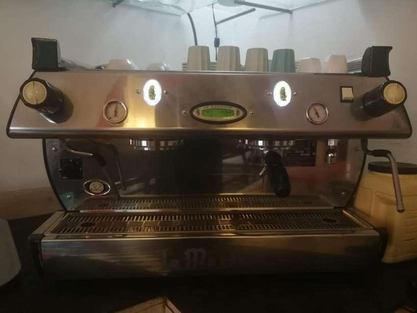 Maquina de café La Marzocco GB5 semi automática 0