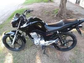 Honda new titan. 2018. Impecable. Posible permuta de mi interés.