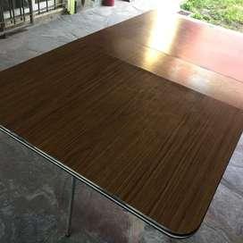 Mesa plegable de melamina