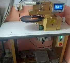 Se vende máquina dobladora de cortes