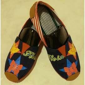 zapatillas suela roja con mariposas talla 36 y 41 con envio gratuito