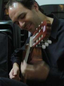 Clases de Guitarra - Vicente Lopez, Olivos - Onlinecente López