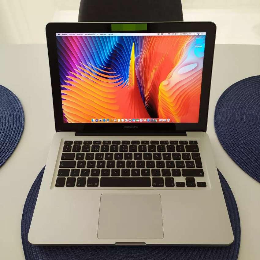 MacBook Pro 0