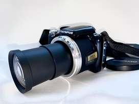 Camara digital avanzada OLYMPUS zoom 36x con estuche y memoria 8gb. como nueva