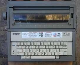 Máquina de escribir electricaBrother