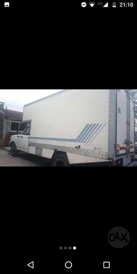 Vendo Camion con caja paquetera