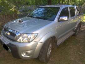 Vendo Toyota Hilux SRV 2010