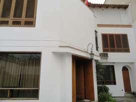 Casa en Venta, Calle Batallón Callao Sur- Vista a la Calle