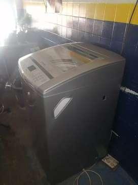 Se vende hermosa lavadora electrolux con tres meces de garantía