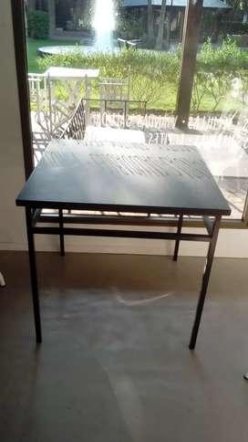 Vendo lote de mesas