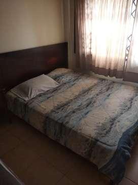 Se vende bonita cama más colchón