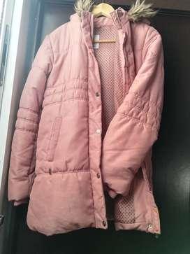 Campera inflada rosa en perfecto estado