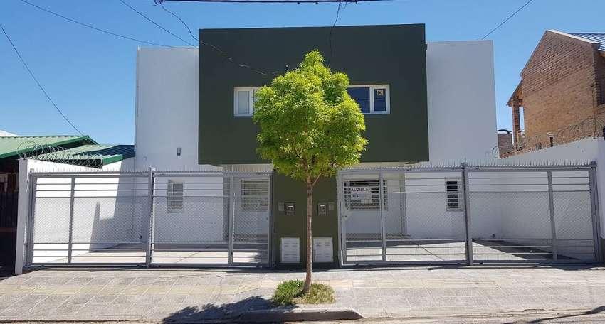 Oportunidad - Vendo Duplex 152 m2 - 3 Dorm. Patio, 2 Cocheras. 0