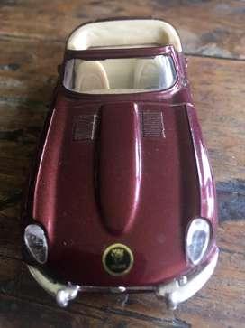 Carro de coleccion jaguar e cabriolet