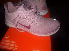 Tennis nuevos marca Nike para niña original