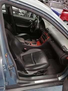 Vendo Mercedez Benz c180 Full equipo