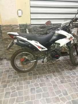 Vendo moto zanella zr 150