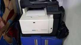 Impresora Multifunción en color HP LaserJet Pro CM1415fn