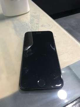Iphone 8(usado con vidrio trasero trizado)