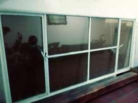 Ventana con vidrios antireflejo Vendo Permuto