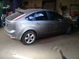 Vendo Ford focus 1.6nafta