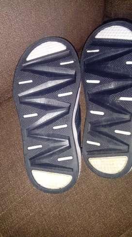 Se venden hermosos zapatos bubble gummers pocas posturas talla 23