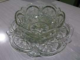 Frutera y plato, de vidrio