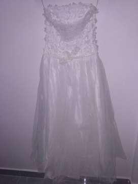 Vestido de novia y pajecita